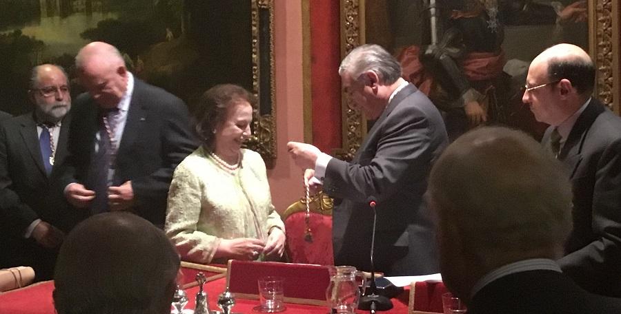 Ceremonia de ingreso de doña Ángela Madrid Medina